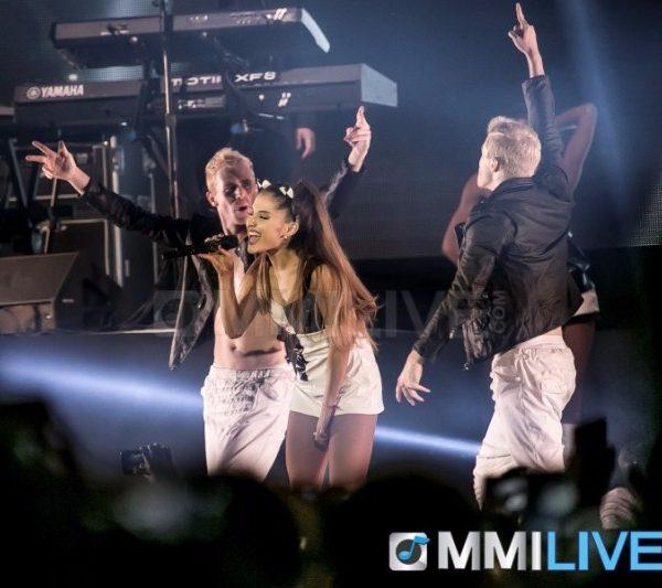 Ariana Grande 2015 (15)