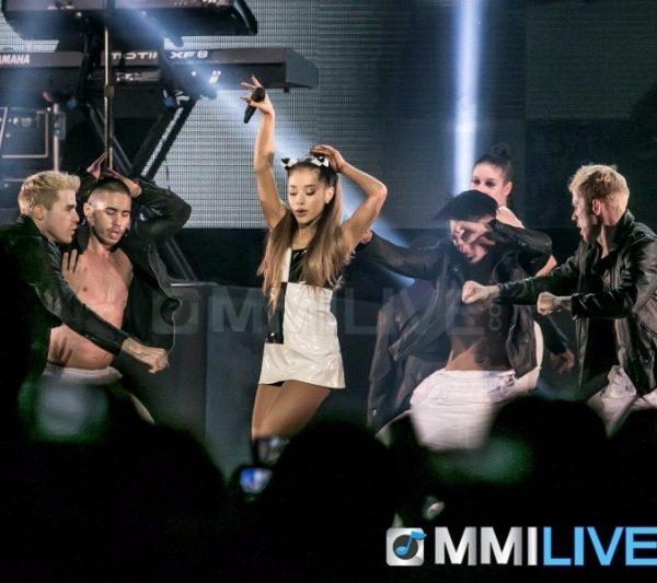 Ariana Grande 2015 (16)