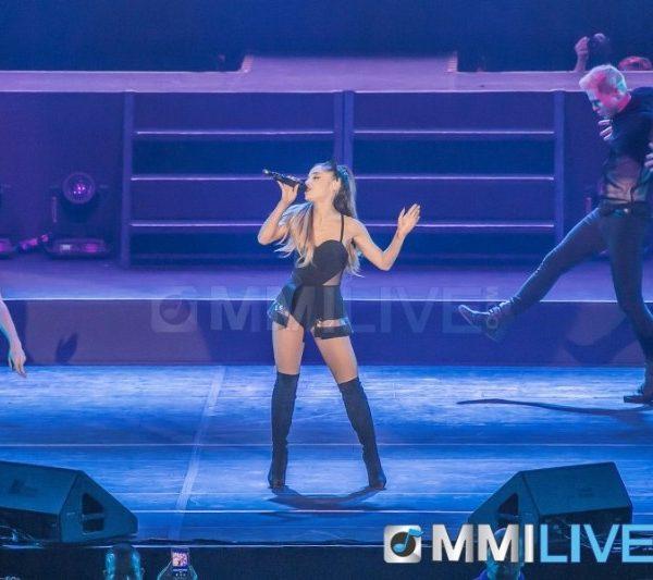 Ariana Grande 2015 (2)