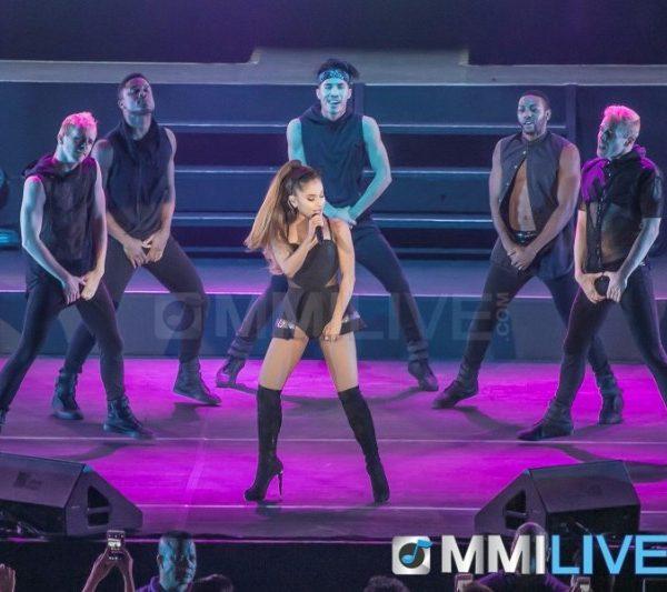 Ariana Grande 2015 (5)