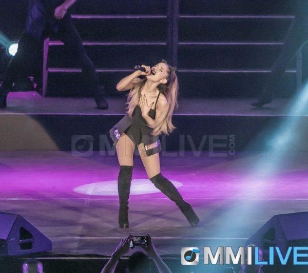 Ariana Grande 2015 (6)