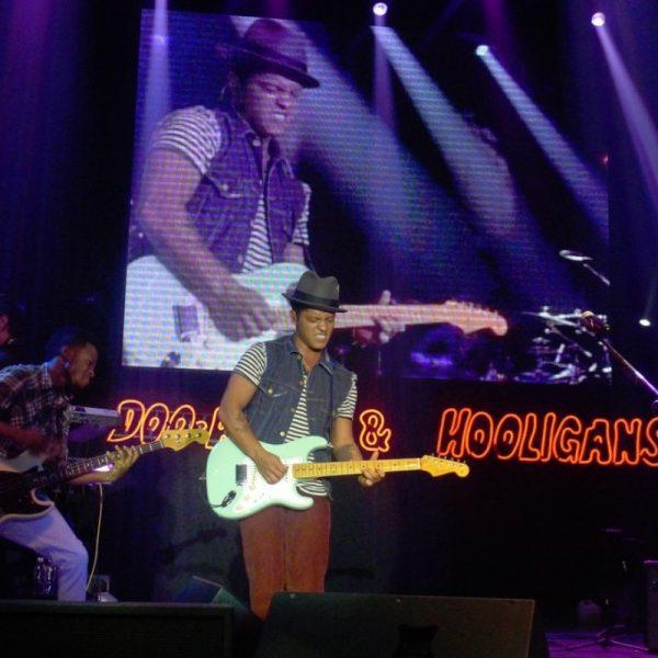 BRUNO MARS 2011 (10)