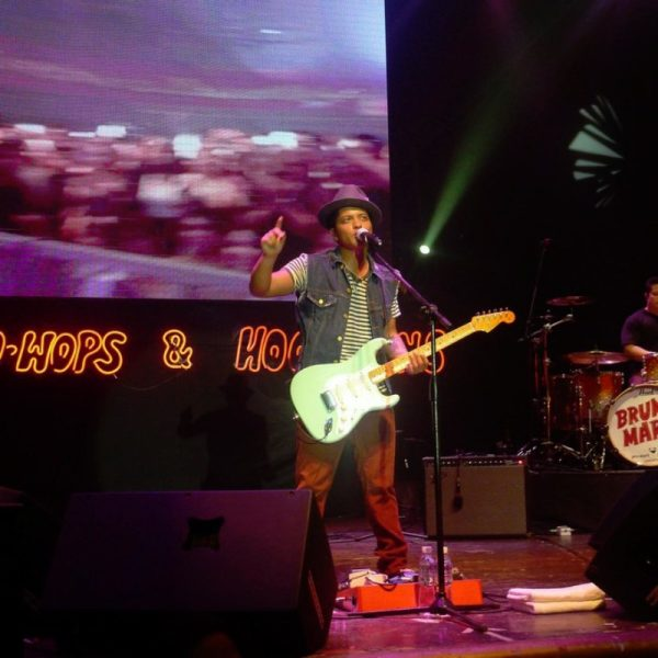 BRUNO MARS 2011 (7)