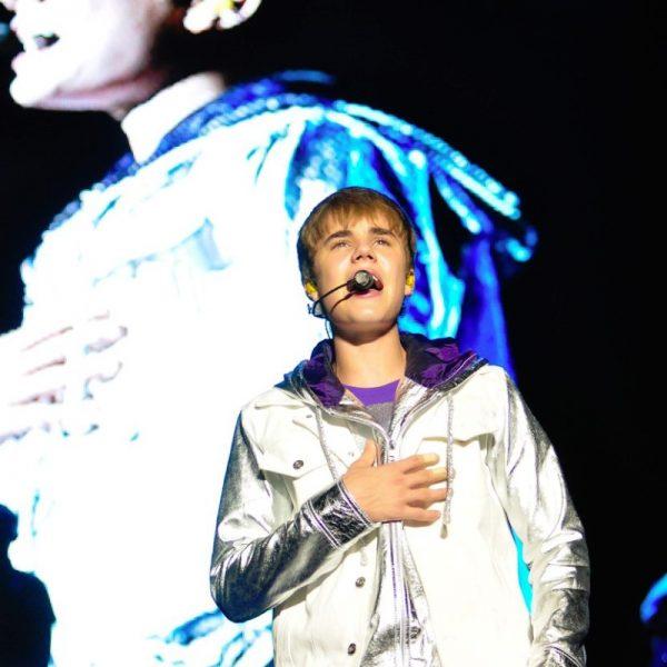 JUSTIN BIEBER 2011 (11)
