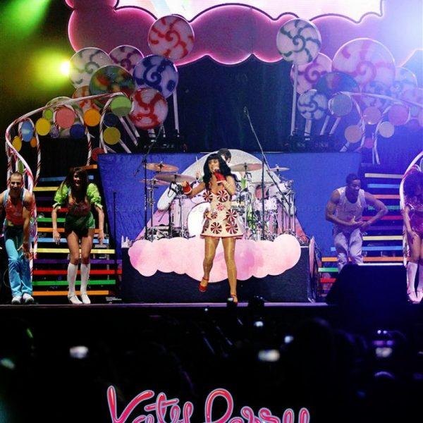 Katy Perry California Dreams 2012 (11)