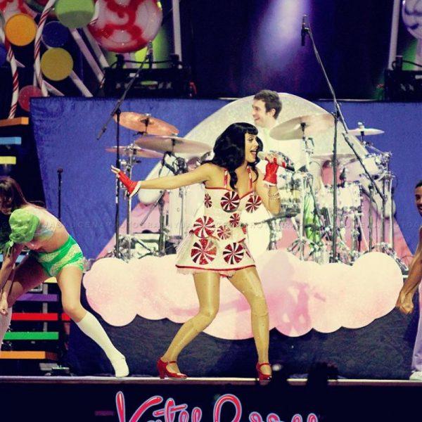 Katy Perry California Dreams 2012 (12)
