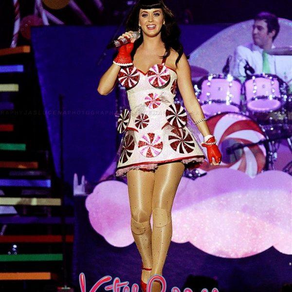 Katy Perry California Dreams 2012 (4)