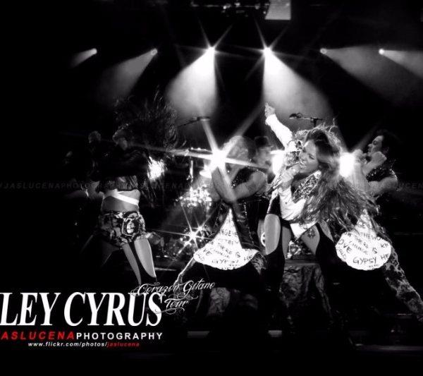 MILEY CYRUS 2011 (2)