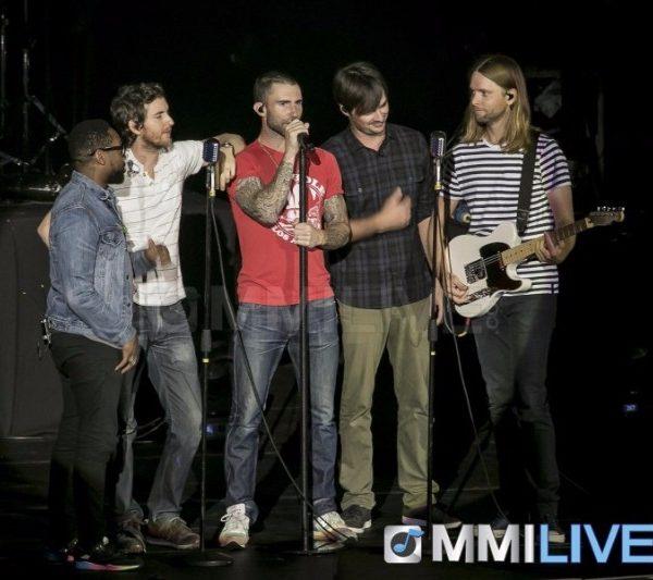 Maroon 5 2015 (14)