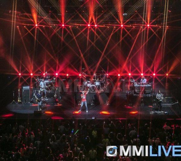 Maroon 5 2015 (9)