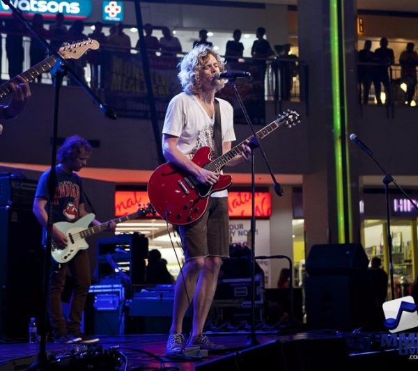 RELIENT K LIVE AT AYALA MALLS 2013 (4)