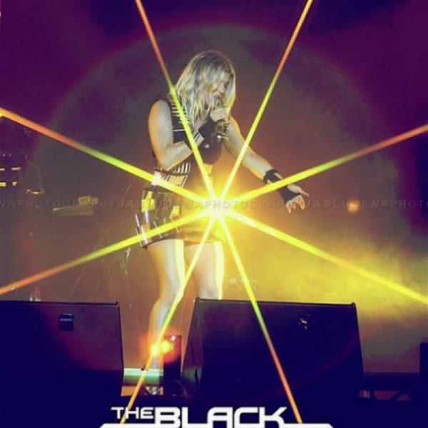 THE BLACK EYED PEAS 2011 (4)