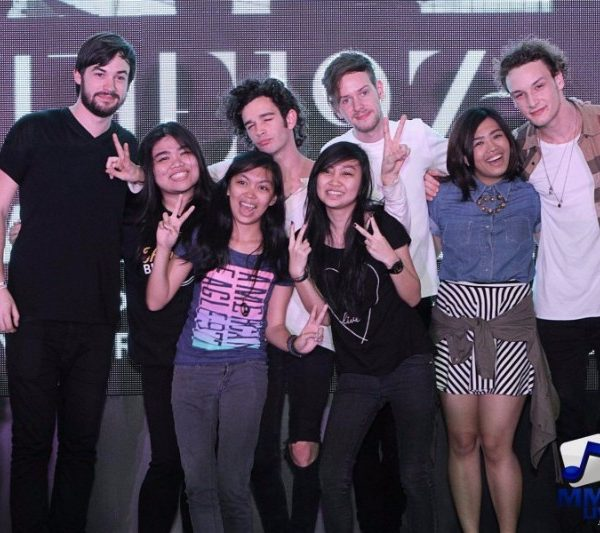The 1975 Meet and Greet 2015 (2)